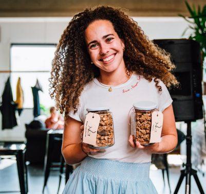 Tiara Nataf met zelfgemaakte Naturally Granola