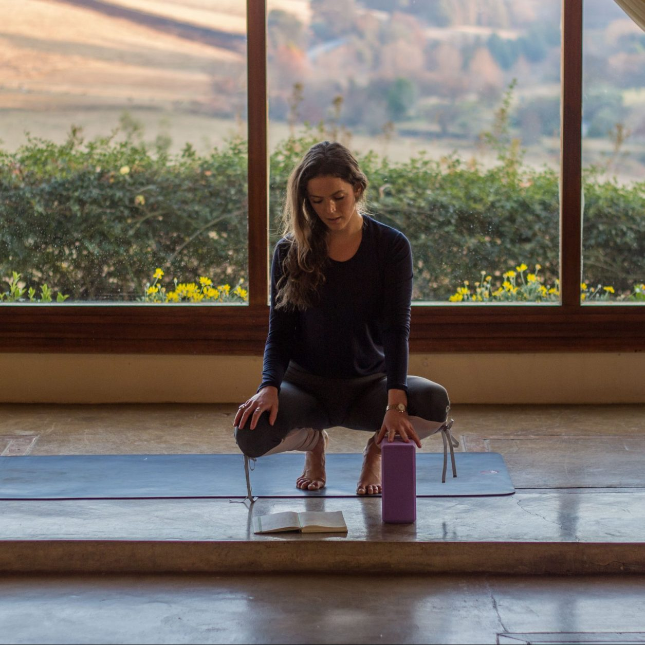 Nina Butler Yoga | Feminien