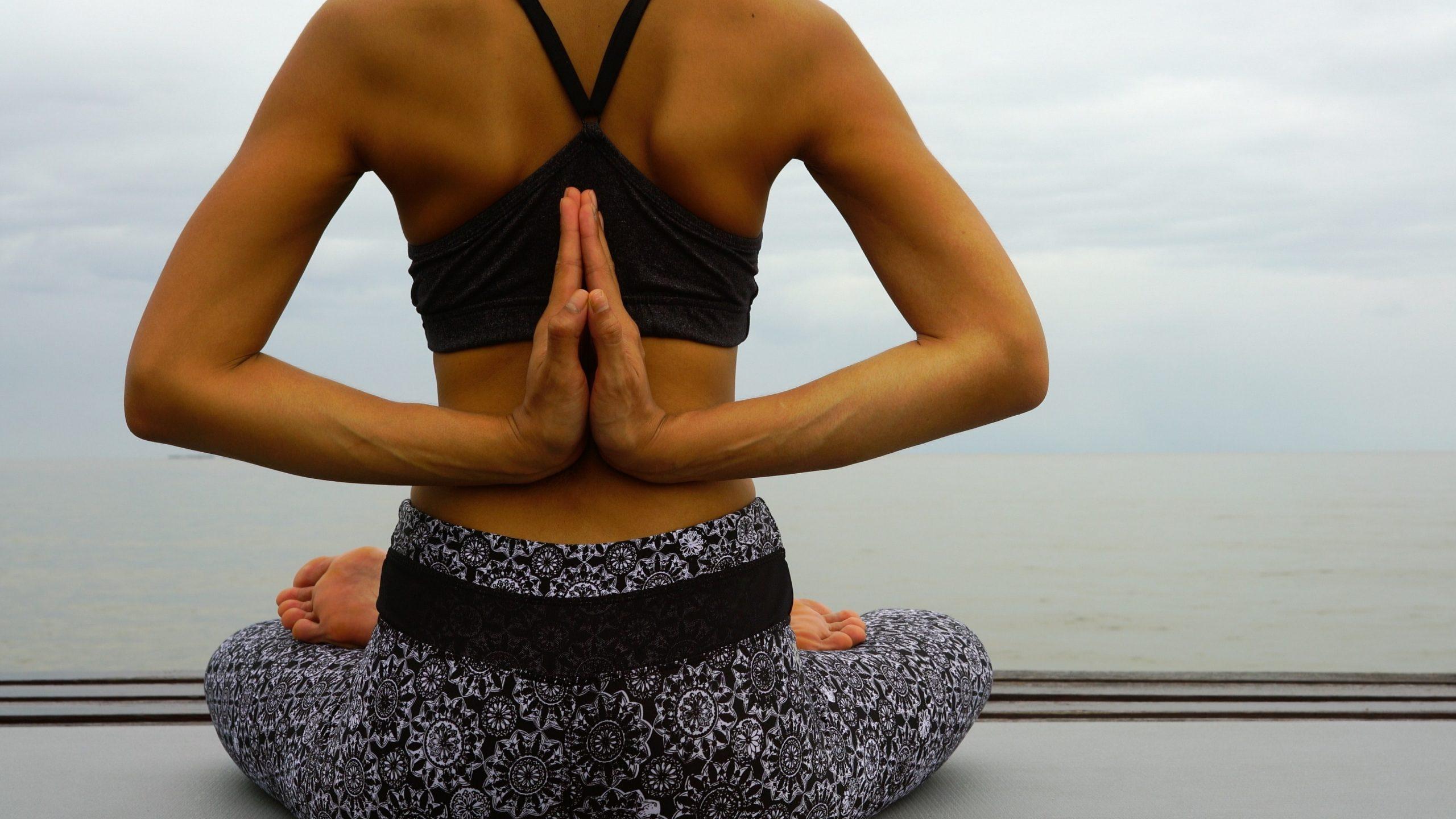 Restoratieve Yoga | Feminien