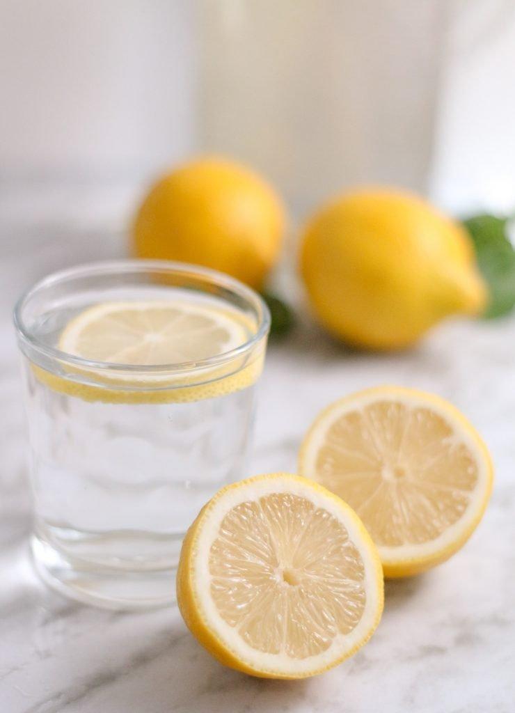 Water met Citroen voor Intermittent Fasting | Feminien